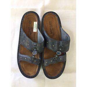 Naot Slip On Sandals size 39 (sz 8-9)